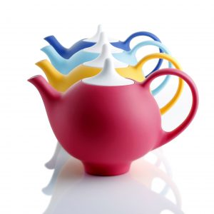 Kaya: a unique, contemporary teapot