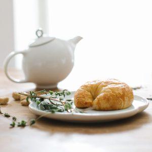 Porcelain Eva teapot