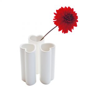 heart vase trio white
