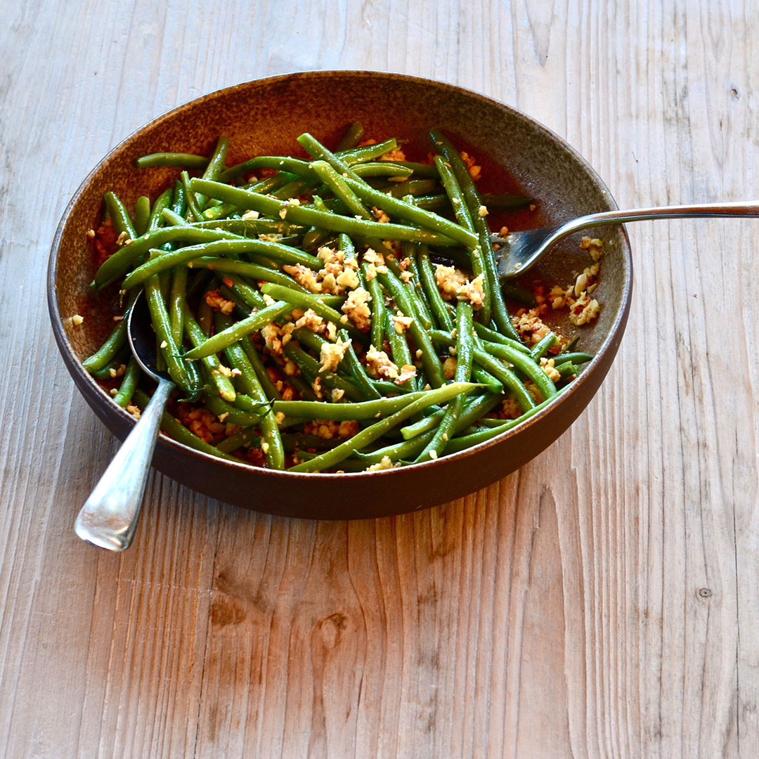 almond pesto green beans