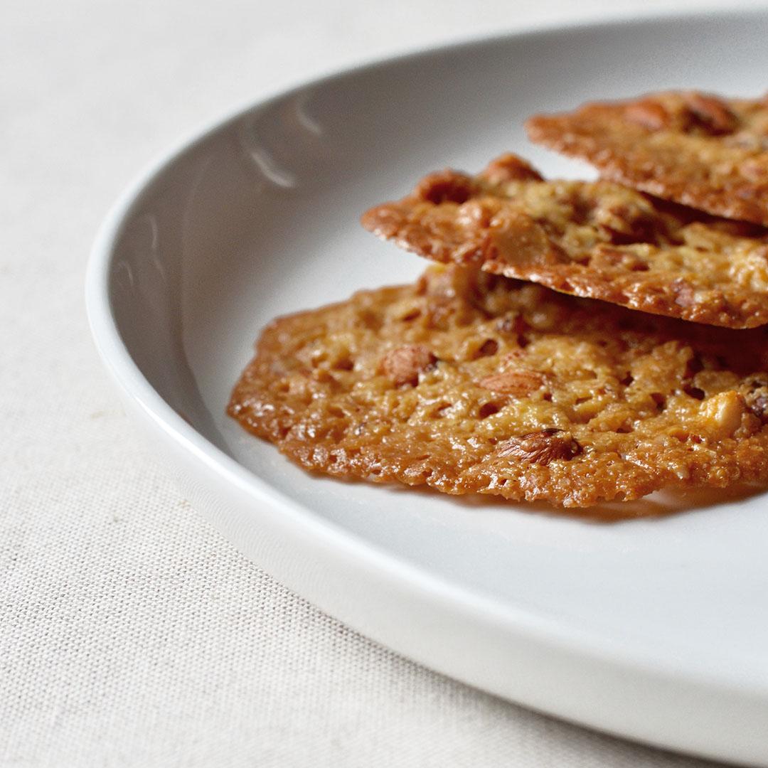 almond cookies detail